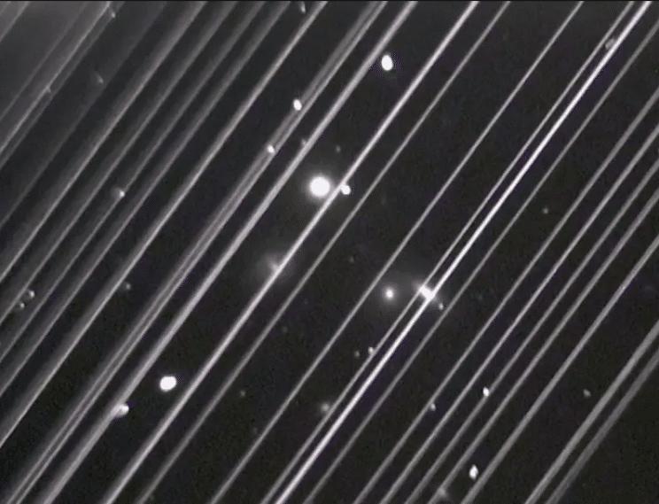 Streams of Starlink satellites trajectory